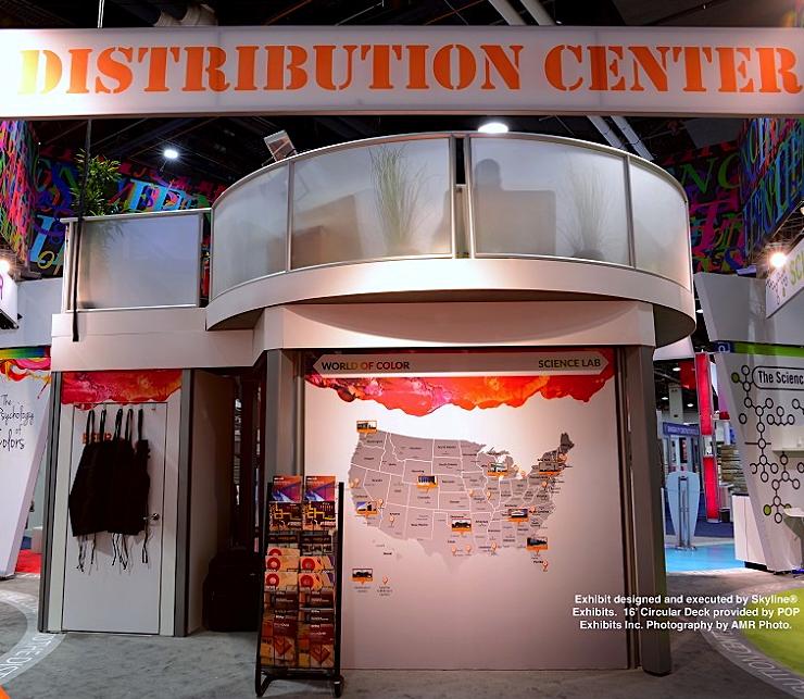 16-circular-double-deck-exhibit-closet