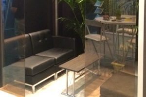 Couch and coffee table rental - Trade Shows